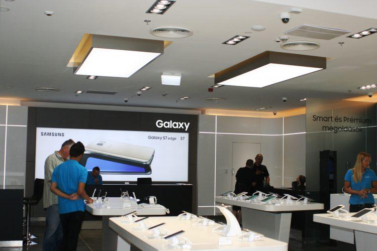Eladótéri Barrisol a Samsung új boltjában