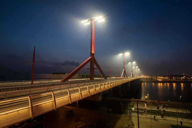Új közvilágítást kapott a Rákóczi - híd